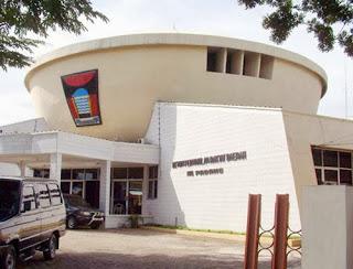 DPRD Padang (foto Kasurau.com)