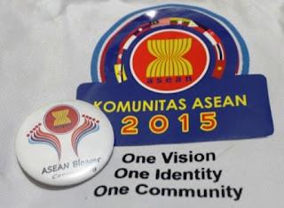 Merangkul Masyarakat Ekonomi ASEAN melalui Blogger Community