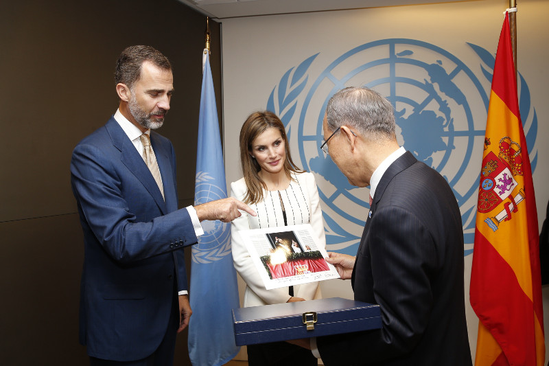 Le Roi Felipe et la Reine Letizia ont ensuite rencontré Ban Ki-Moon, le Secrétaire Général de l'ONU.