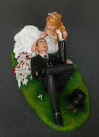 statuina sposi torta personalizzata regalo sposi artigianale orme magiche