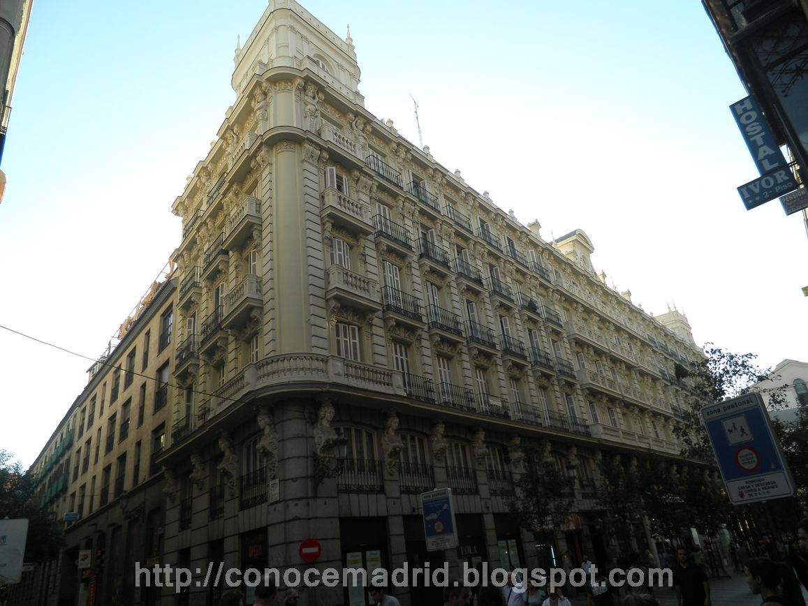 Conocer madrid plaza de callao san mart n y mayor for Hotel calle arenal madrid
