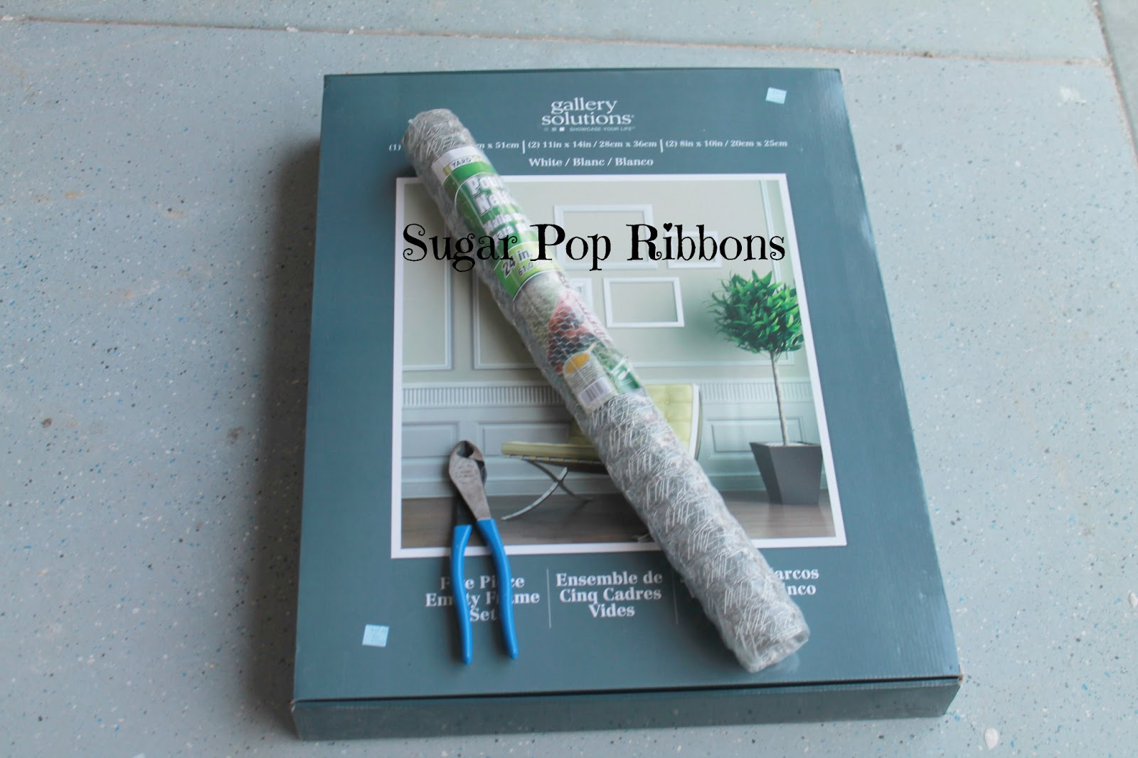 Sugar Pop Ribbons Reviews and Giveaways: Chicken Wire Frame Craft