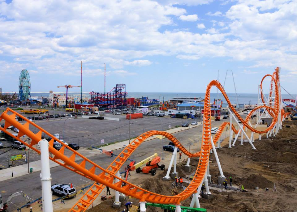 Newsplusnotes coney island 39 s new thunderbolt nearly complete for Things to do in new yokr