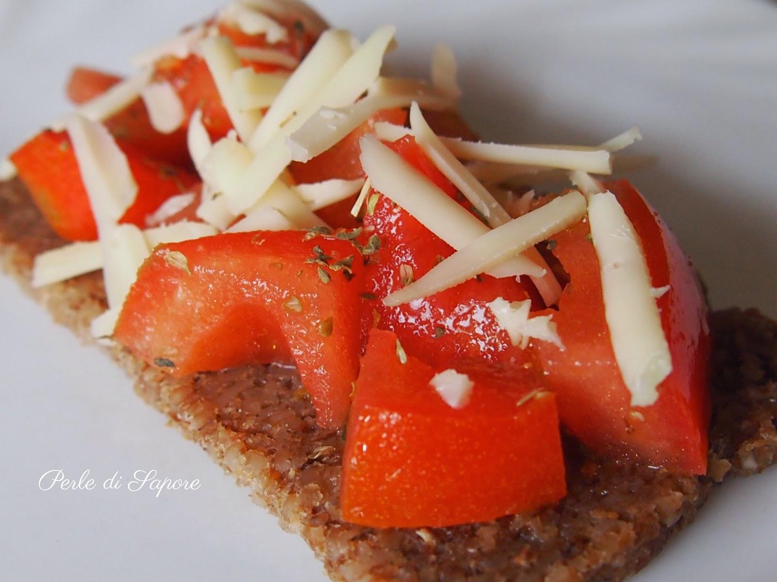 pane pema con pomodori ed emmental