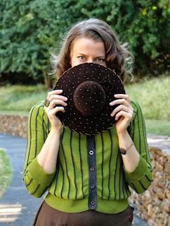 Peek-a-boo! #1930s #vintage #hat #fashion