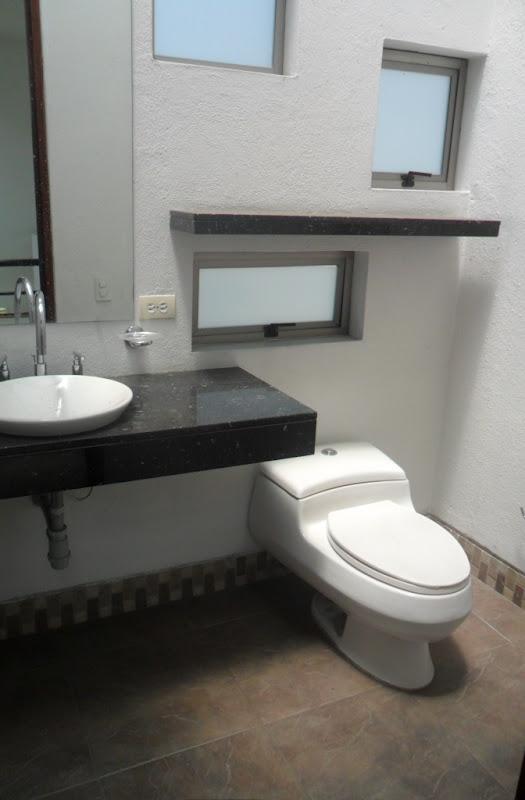 Vendo hermosa y moderna casa campestre primer nivel sala comedor cocina ba o social - Interiorismo banos modernos ...