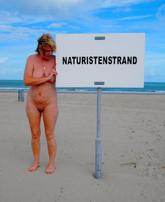 Annick sur la plage de Groede.