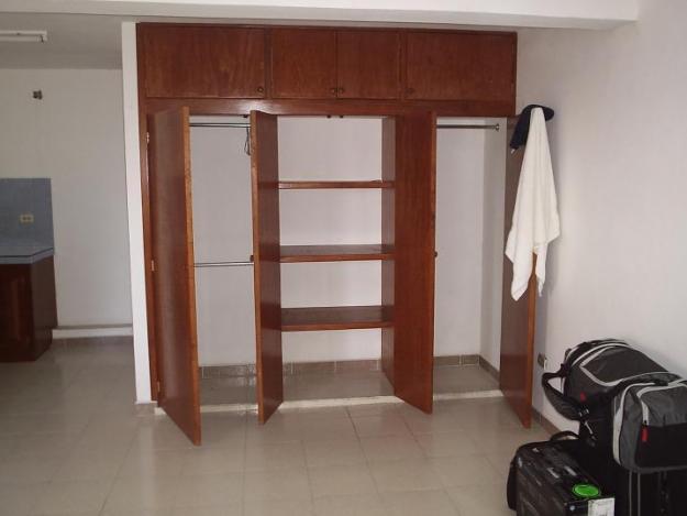 Carpinter a sotero closet y armarios for Closet de madera para dormitorios