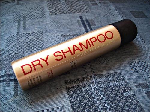 Suchy szampon Biedronka, Flower Mood + moja przygoda z tego typu produktami