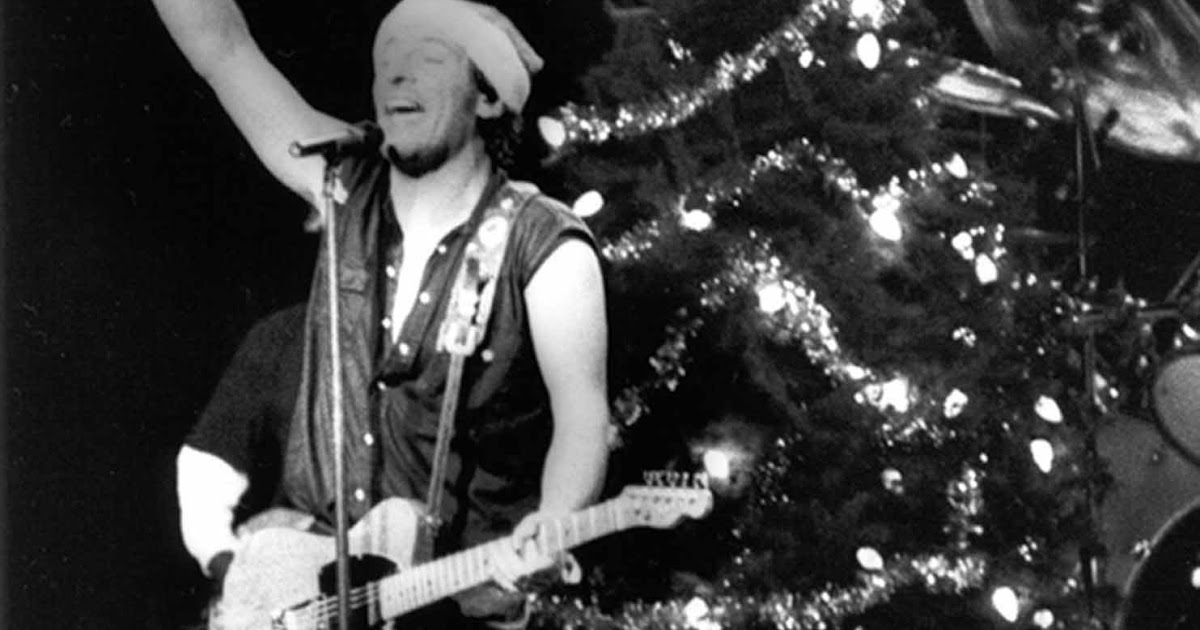 25 reviews of christmas 21 memories of bruce springsteen and the e street bands santa claus is coming to town - Bruce Springsteen Christmas Album