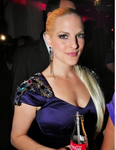 Pop Singer Sandy Moelling HD Wallpapersot Photos