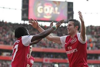 De la mano de Van Persie el Arsenal cosechó un nuevo triunfo en la Premier