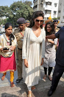 Actress Deepika Padukone Pictures at Siddhivinayak Temple visit in Mumbai 0007.jpg