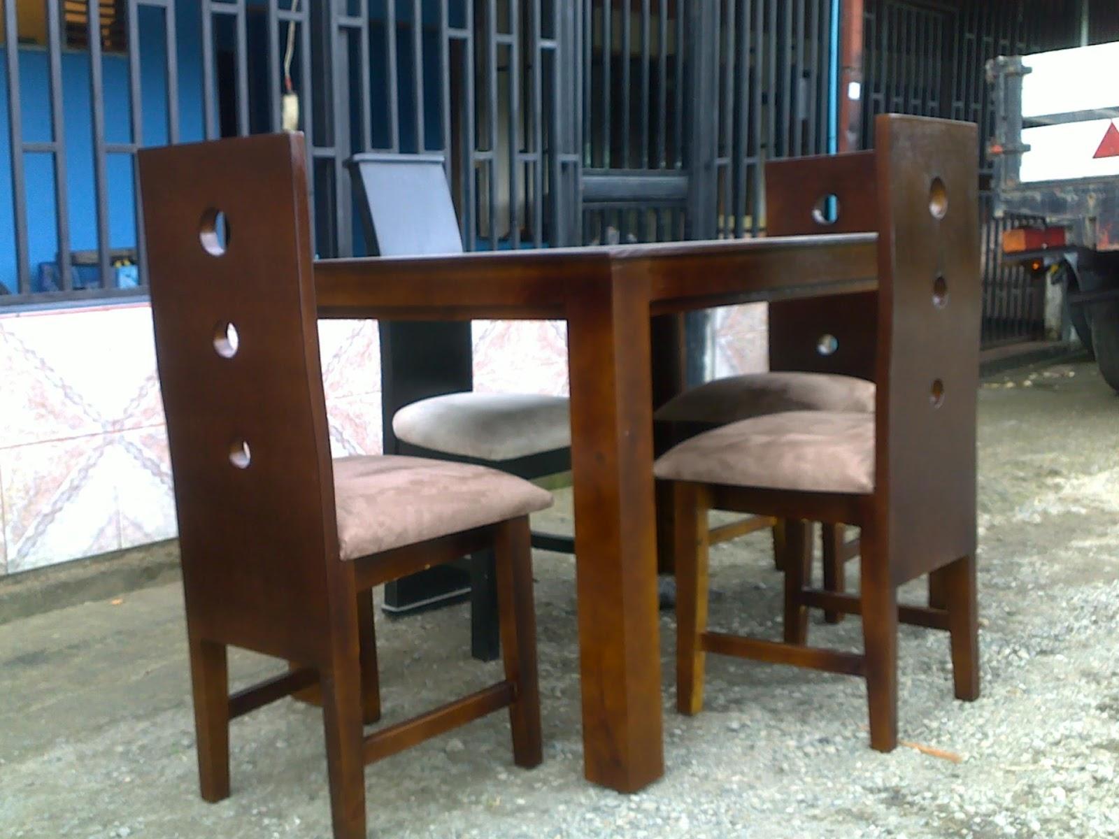 Muebles figo comedor cuatro sillas color zenisaro for Comedor cuatro sillas
