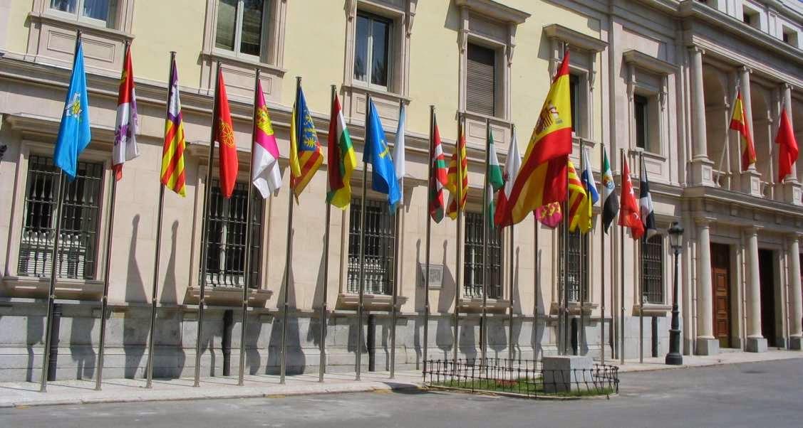 Banderas de las diferentes Comunidades Autonomas