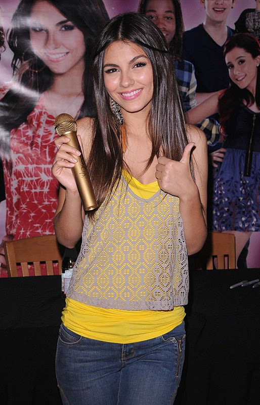 Victoria Justice – Victorious Cast In-Store CD Signing in Studio City