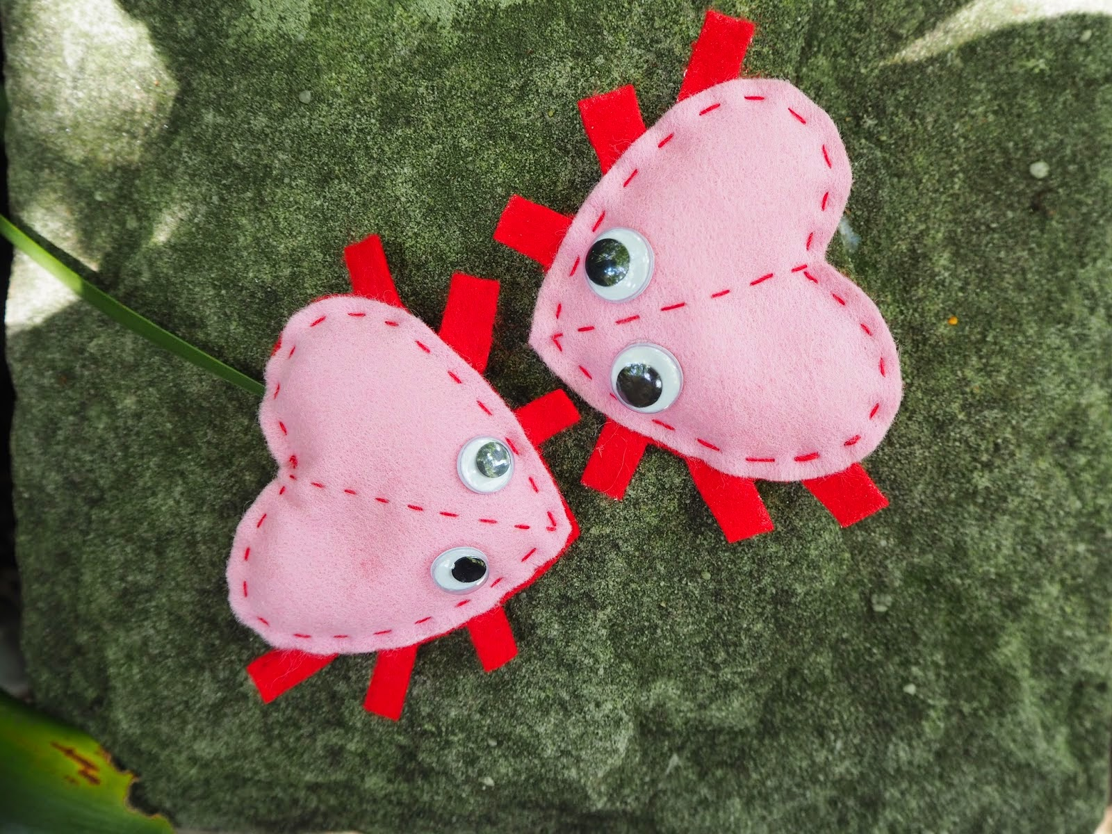 http://www.colouredbuttons.com/2015/01/valentines-kids-craft-hand-sewn-love-bug.html