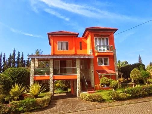 Villa Cirebon Istana Bunga Lembang