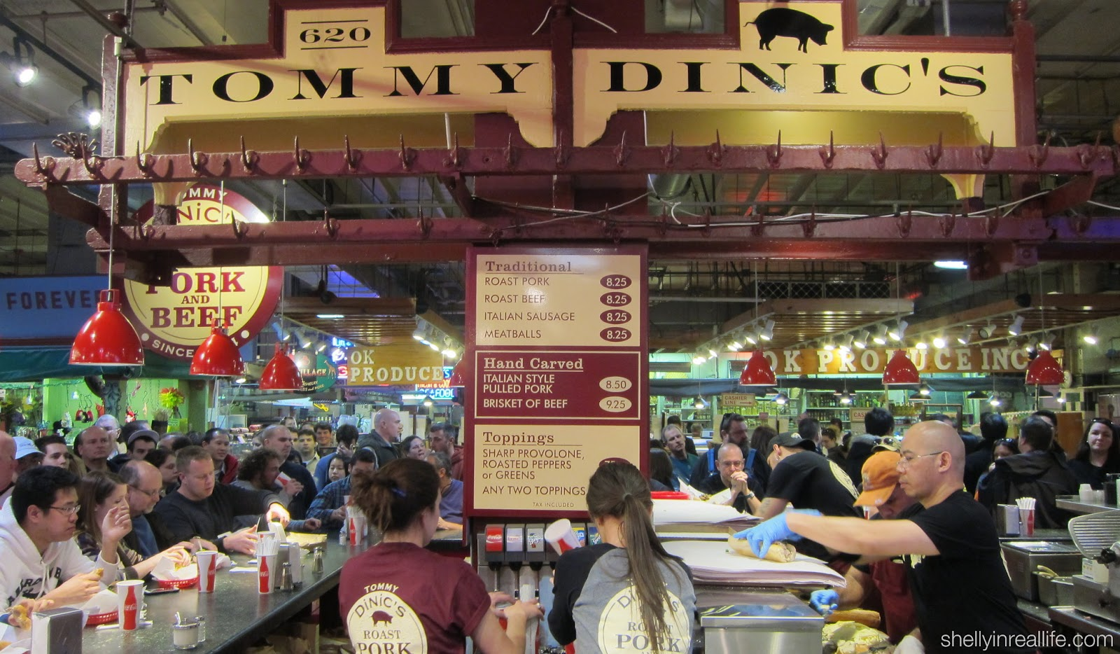 Customers Wrap Around 2 Sides Of Dinic S Booth With Lucky Patrons Eating Away At The Counters