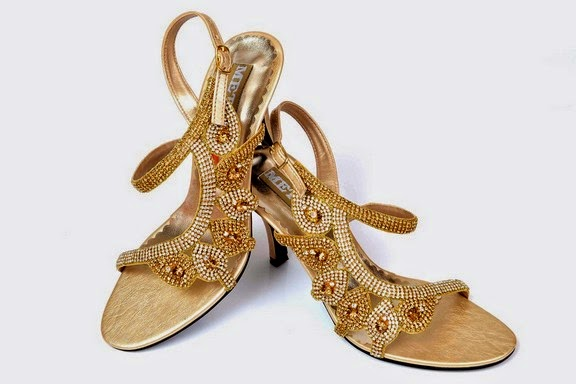 The Brand Quickly Capture High Market Share By Offering Combination Of Domestic And International Fashionable Ladies Shoes In Sandal Heal Sanda