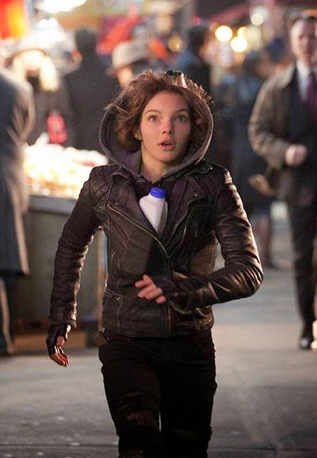 Camren Bicondova as Selina Kyle the future Catwoman in Fox Gotham Season 1 Episode 2 Selina Kyle