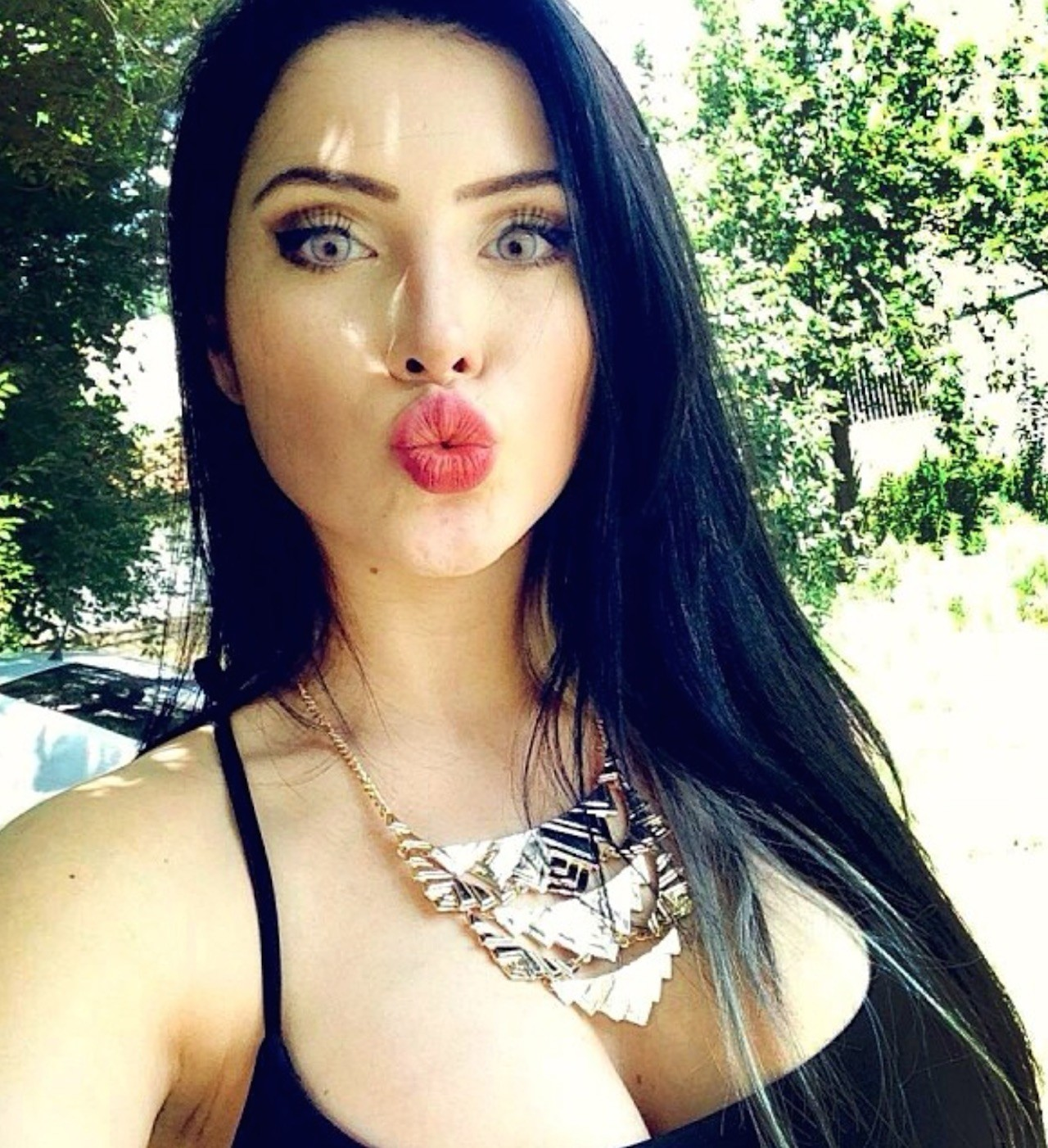 fox single hispanic girls Meet compatible hispanic singles online eharmony is committed to helping hispanic men and women find long-lasting love, we are confident in our ability to do so.
