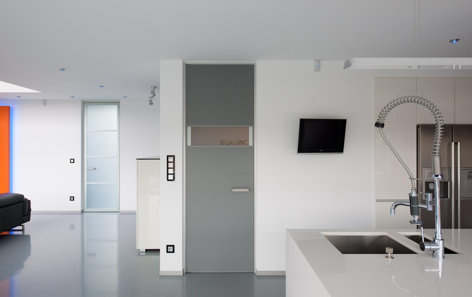 Anywaydoors binnendeuren dressings inloopkasten en schuifdeuren op maat anywaydoors de - Eetzaal grijze moderne ...