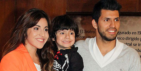 Bola-11: Aguero separating from his wife