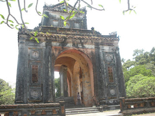 Pabellon de la estela de la tumba Imperial Tu Duc