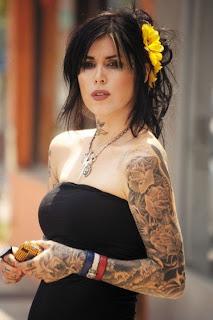 Tatuagens de Famosos - Quem é ela?