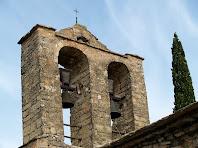 Detall del campanar de l'església de Santa Maria de la Tossa