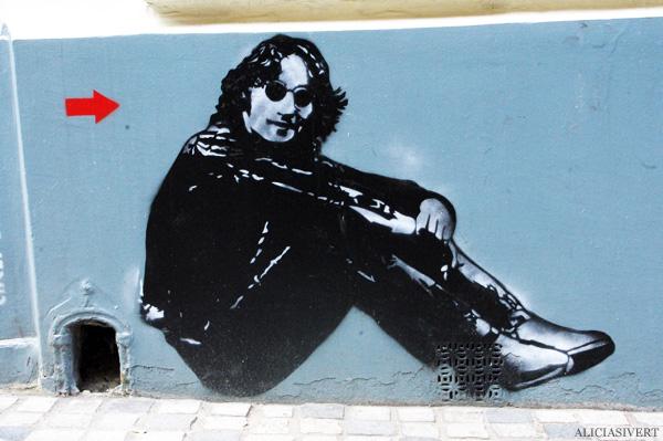 aliciasivert, alicia sivertsson, street art, graffiti, gatukonst, klotter, tags, bussels, bruxelles, bryssel, stencil, schablon, hus, building, john lennon, jef aerosol
