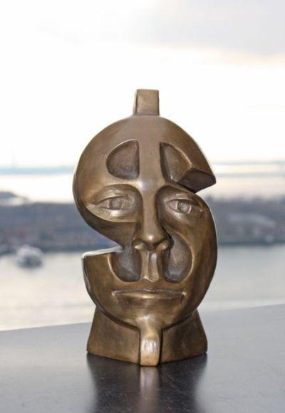 Michael Alfano esculturas de corpos rostos surreais bronze cobre Dinheiro