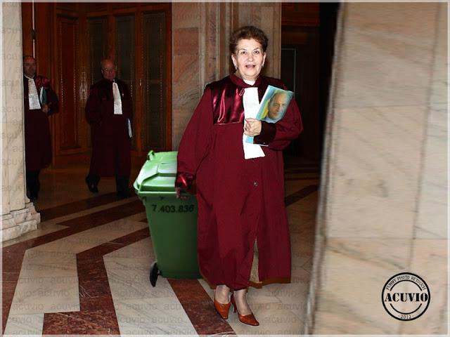 Funny photo Aspazia Cojocaru Alzheimer