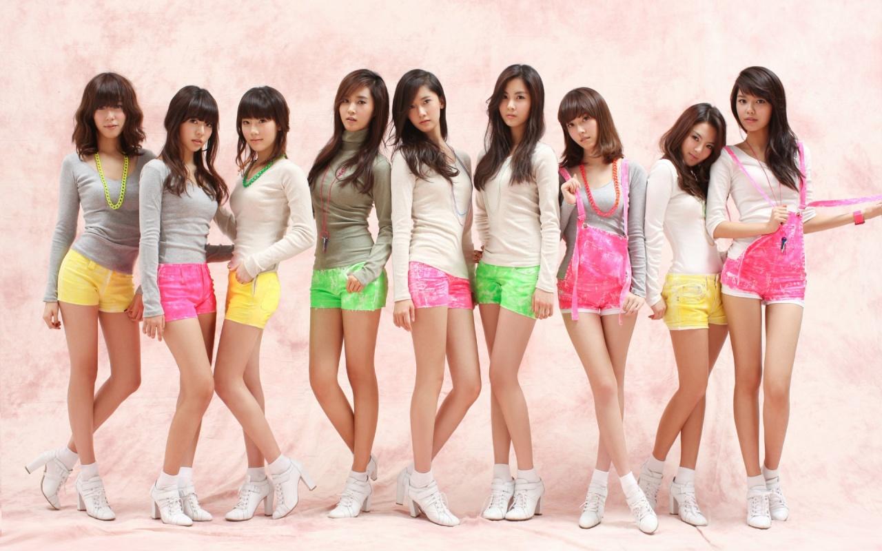 http://4.bp.blogspot.com/-JEBlwFq7iqA/TbrS6Ika4PI/AAAAAAAAAEc/ASvGDqApWlg/s1600/hot_chicks.jpg