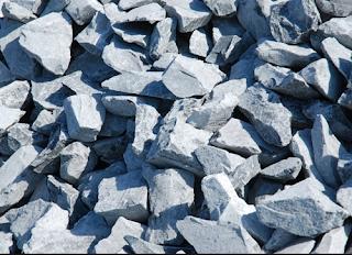 Ngoài đá 4x6, VLXD Phúc Nhơn còn cung cấp các loại đá xây dựng khác như đá 1x2, đá 2x4, đá mi đổ sàn, đá hộc, ... v.v.  VLXD Phúc Nhơn chúng tôi có đầy đủ loại xe vận tải chuyên chở đá xây dựng lớn nhỏ, vận chuyển sản phẩm đến tận chân công trình theo yêu cầu của Quý khách  hàng.  Chúng tôi cam kết giao hàng đảm bảo chất lượng và số lượng, hàng đẹp, không lẫn tạp chất.  VLXD Phúc Nhơn tự hào là nhà Phân phối Vật Liệu Xây Dựng uy tín, chuyên nghiệp hàng đầu tại Phan Rang Ninh Thuận.
