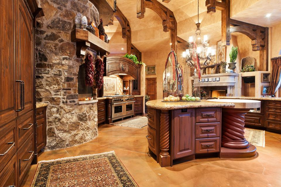 Old world gothic and victorian interior design for Tuscan style kitchen lighting