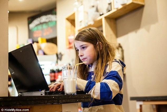 niña de 7 años que que puede hackear una red wifi en 10 minutos