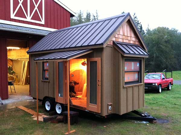 Lloyd s blog tiny home on wheels Tiny little houses on wheels