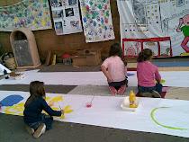 Scenari e colori con i bambini in piazza