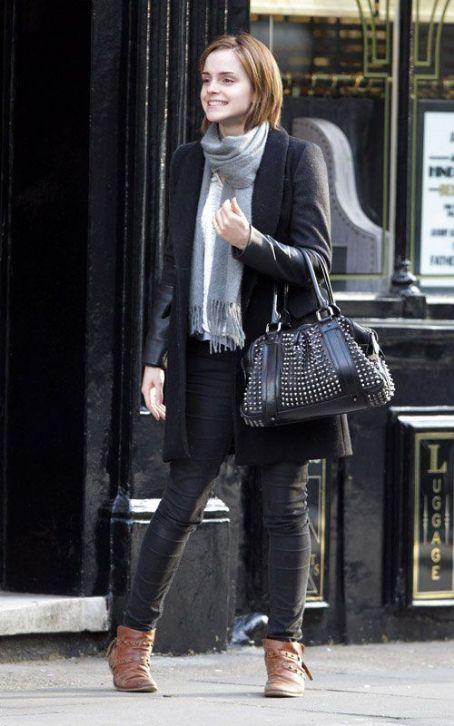 [Loving] Emma Watsonu0026#39;s Style | South Molton St Style