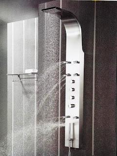 Columns tub for the bathroom