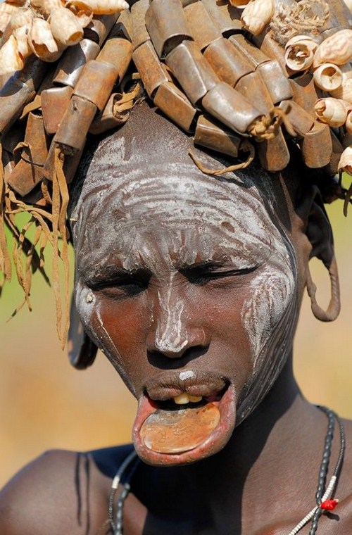 Amazing Ethiopian Mursi Tribe People Seen On www.coolpicturegallery.us