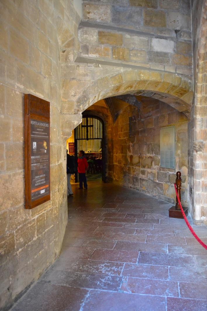 El camino de santiago desde asturias puerta de la perdonanza - Puertas interior asturias ...