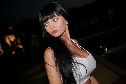 Cerbung Lisa Pacar Binal - Market Nude Girl: Model