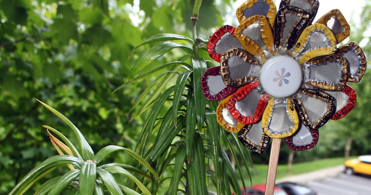 Crafting on a budget diy upcycled bottlecap flowers for How to make bottle cap flowers