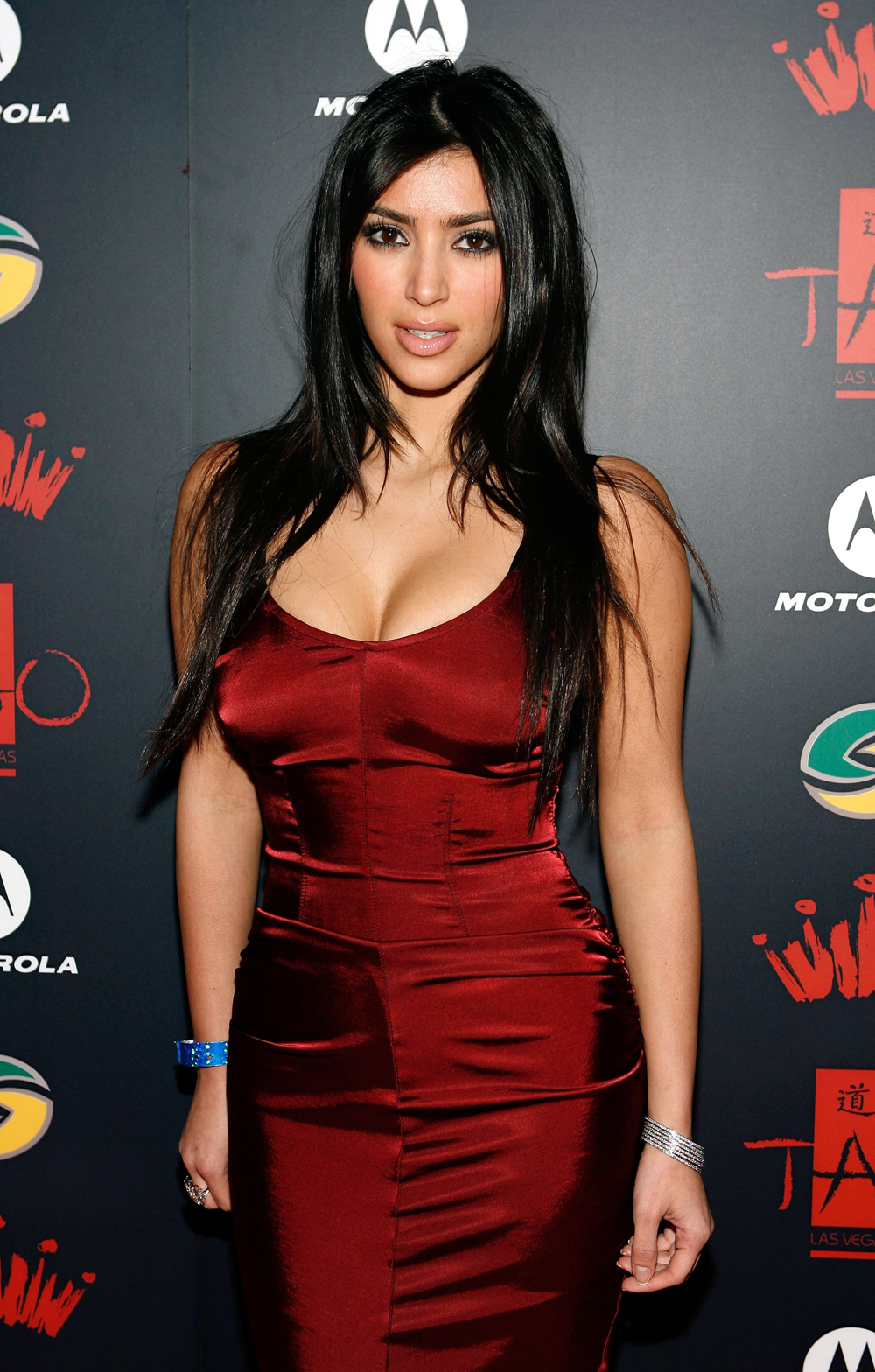 Kim Kardashian Long Straight Hairstyles 08