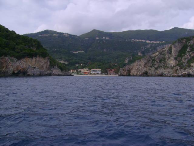 На море на Корфу