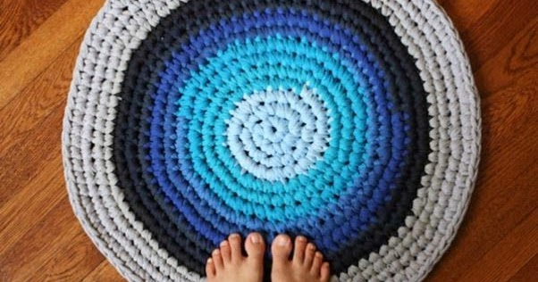 Вязание круглого коврика из старых вещей крючком