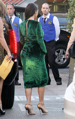 Kim+verde+cheinha+de+costas Abaixo à ditadura graveto!